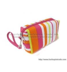 Handheld cosmetic bag