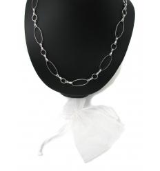 Silverfärgat halsband