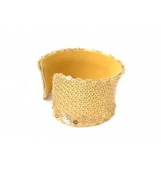 Guldfärgat armband