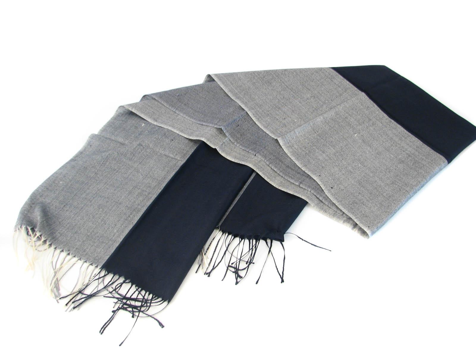 Svart halsduk - Import   tillverkning för promotion 59894f2772402