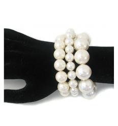 Creme pearl bracelet