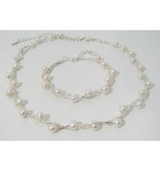 Pärlhalsband och armband